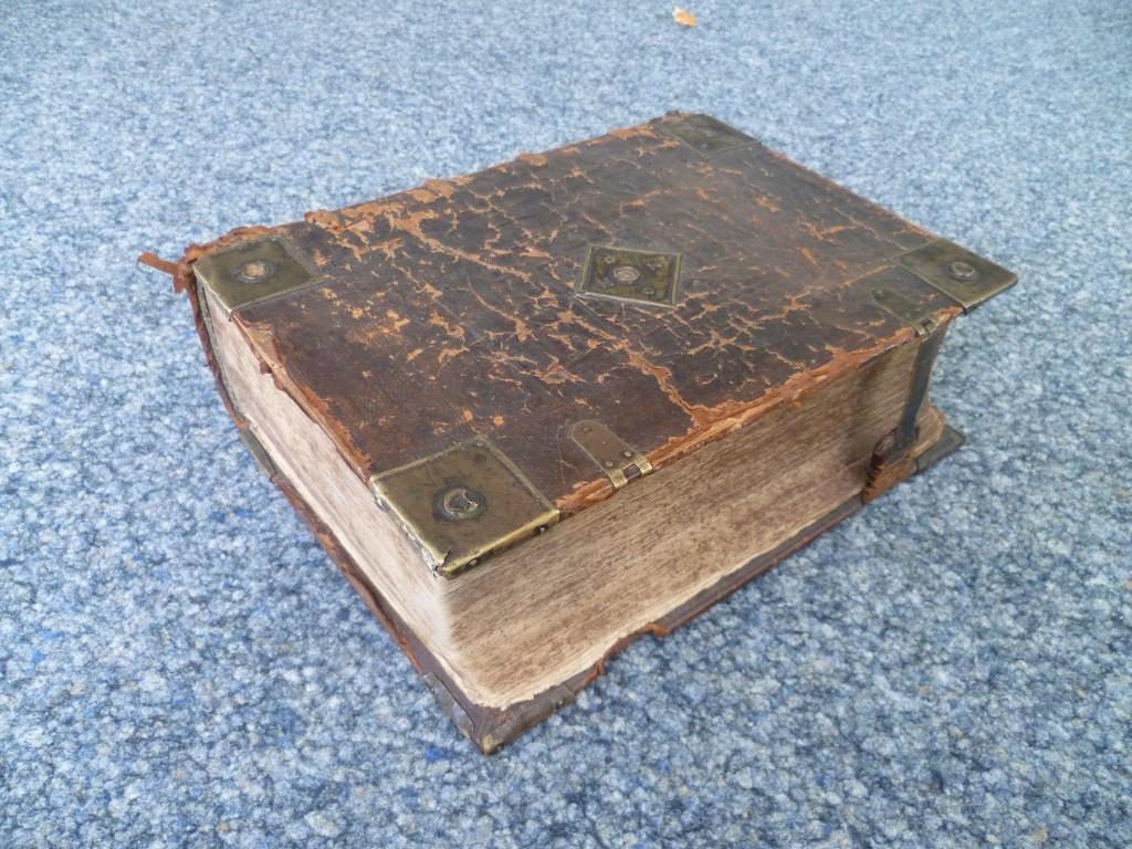 Die Froschauer-Bibel der Täufergemeinde Fridersmatt